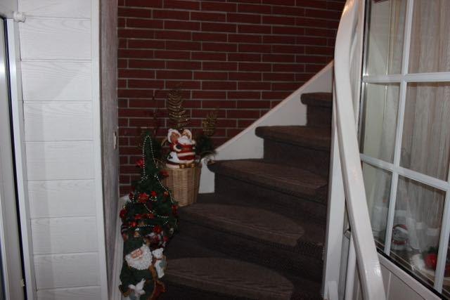 Vorschau von Treppenaufgang zur FW 1 - liegt über Eigentümerwohnung