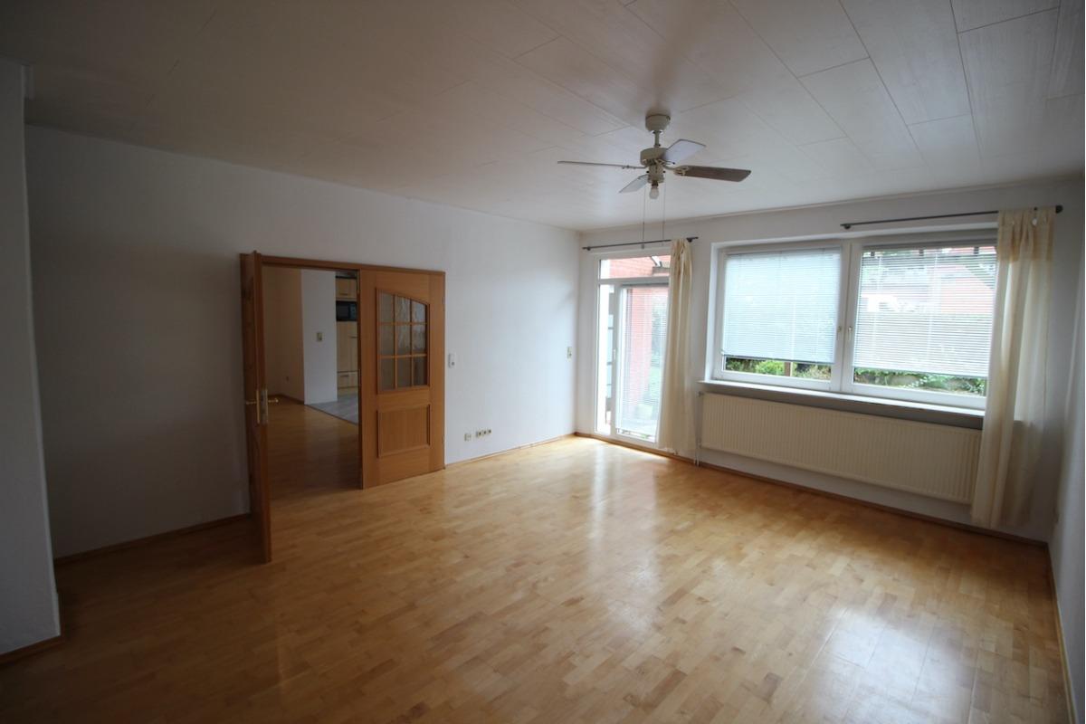 Vorschau von Wohnzimmer mit Terrassentür